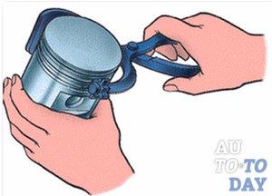 Снимаем поршневое кольцо