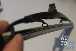 Замена резинок на щетках стеклоочистителя