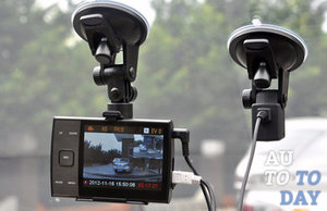 Видеорегистратор с дополнительной камерой