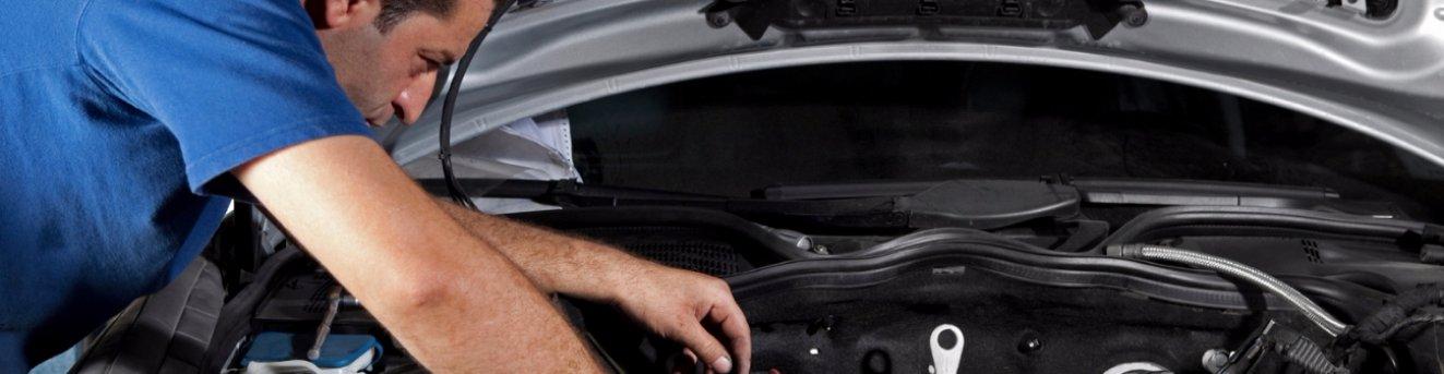Почему дргается машина на малых оборотах