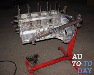 Стенд для ремонта двигателя