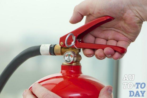 Какой огнетушитель применяется в легковой машине