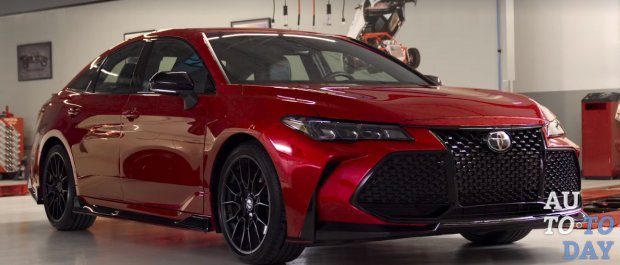 Toyota готовится открыть Avalon и Camry TRD в Лос-Анджелесе