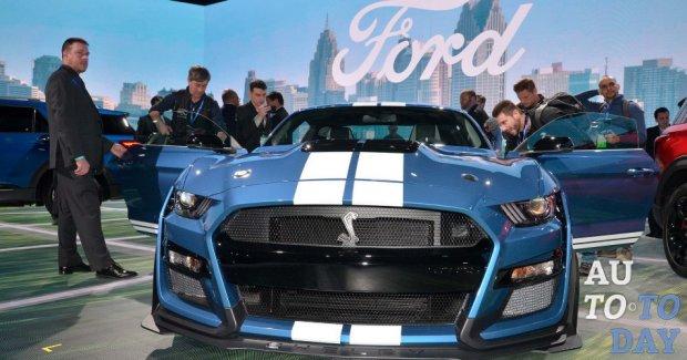 Ford Mustang Shelby GT500 может получить механическую КПП