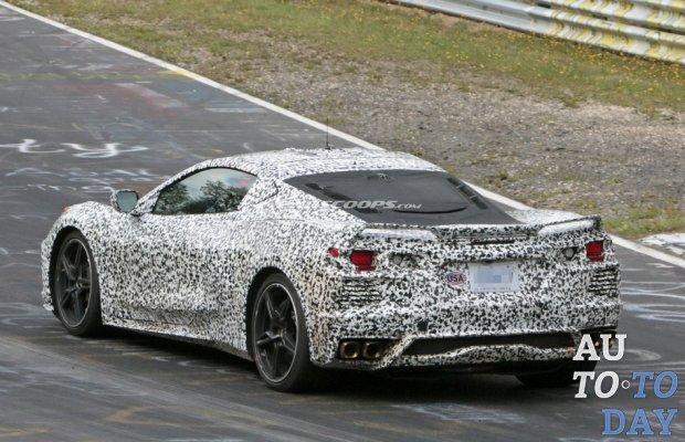 Запуск Corvette C8 откладывается из-за нескольких проблем