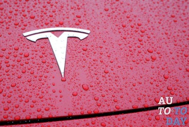 Tesla обвиняет четырех экс-сотрудников в краже конфиденциальной информации