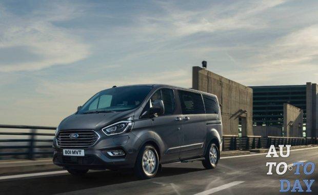 Плагин-гибридный Ford Tourneo Custom готов к перевозке людей