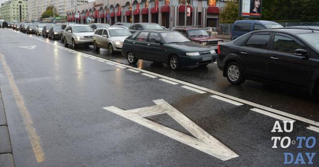Имеют ли право на проензд маршрутные такси по выделенным полосам