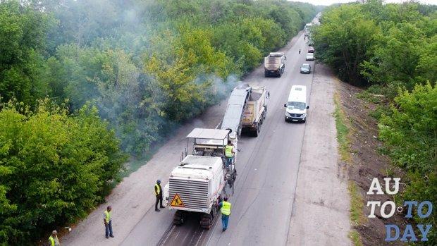 Проблемную трассу Запорожье-Мариуполь обещают закончить уже в октябре этого года
