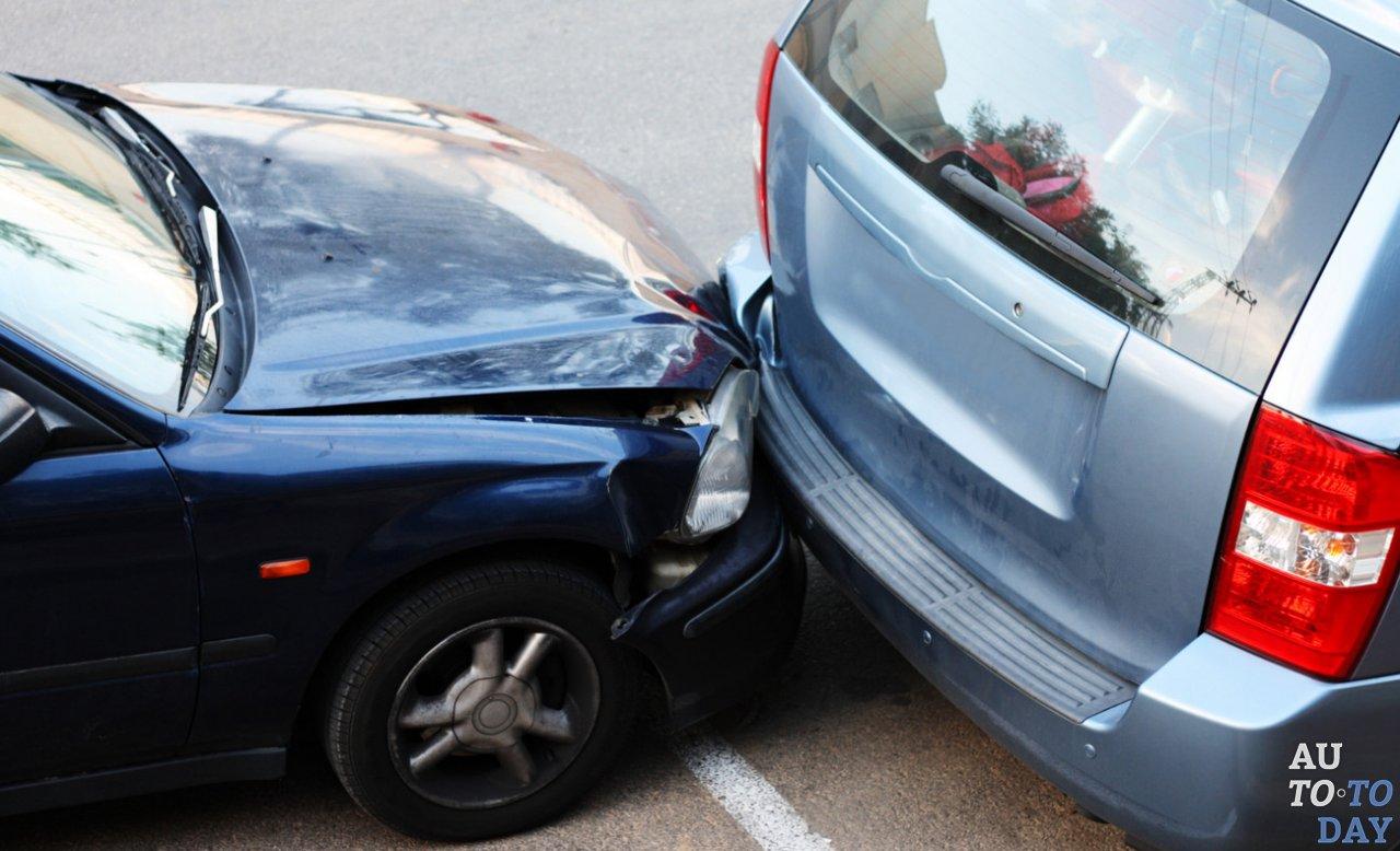 Дтп на парковке виновник скрылся