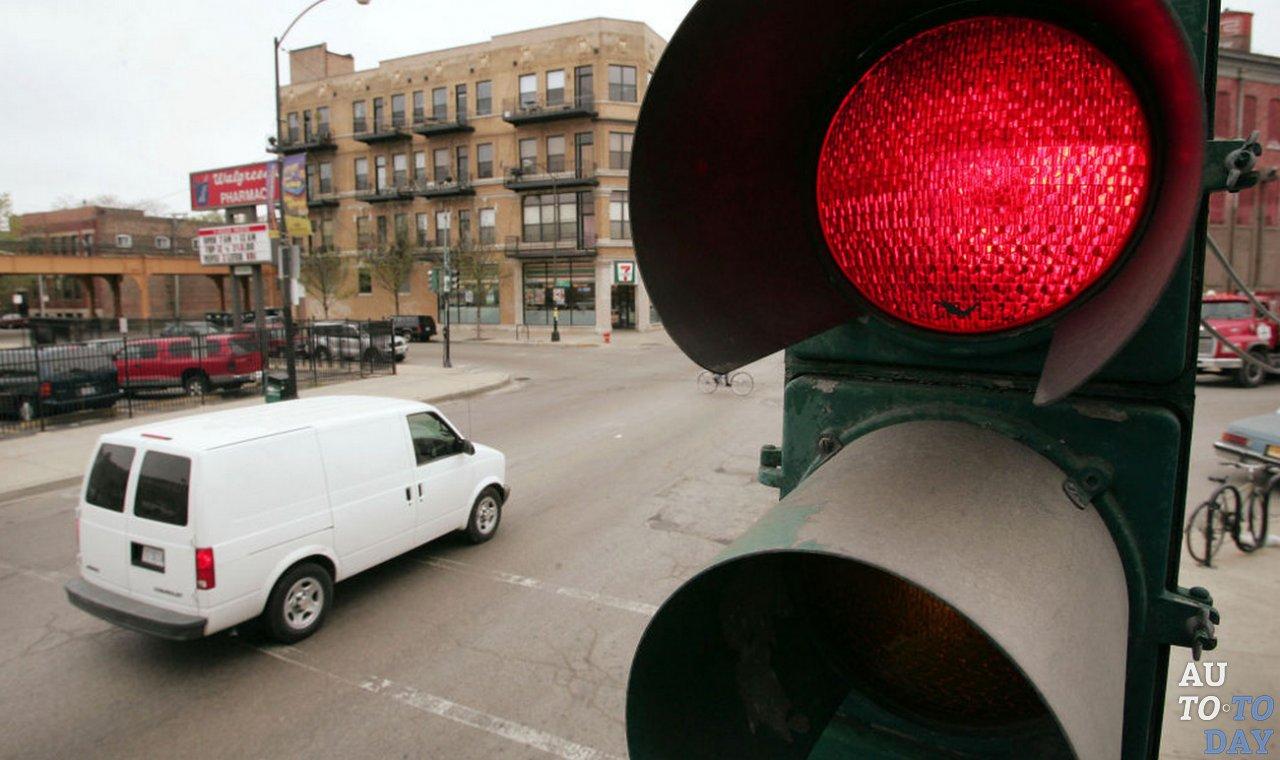 Повторный проезд на красный сигнал светофора