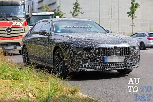 BMW анонсировала премиальный электрический седан