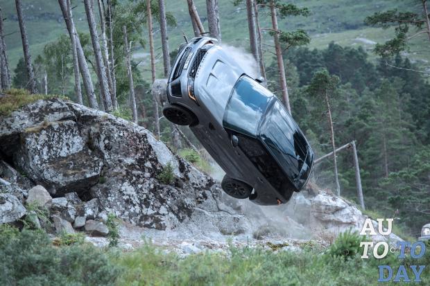 Range Rover Sport получил специальную версию в честь Джеймса Бонда