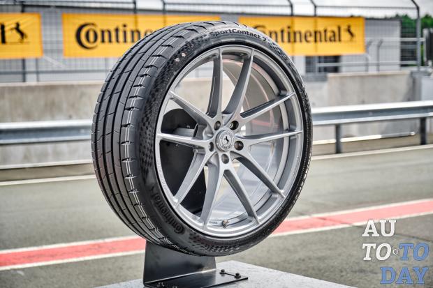 Continental представляє нову шину SportContact 7